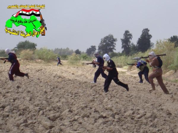 عاجل جيش النقشبندية قصف مقر للعدو الامريكي بتاريخ 3-8-2012 171