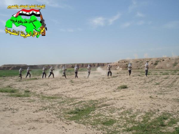 عاجل جيش النقشبندية قصف مقر للعدو الامريكي بتاريخ 3-8-2012 173